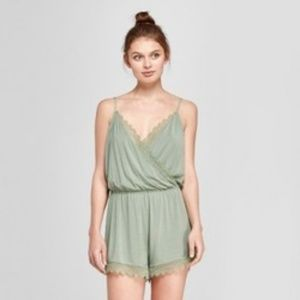 Gilligan & O'Malley NWT Sage Green Lace Romper S